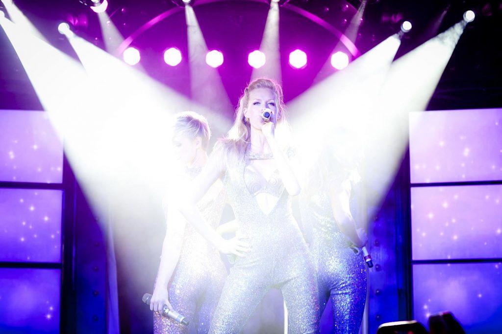 stage performance Karin Gunnars