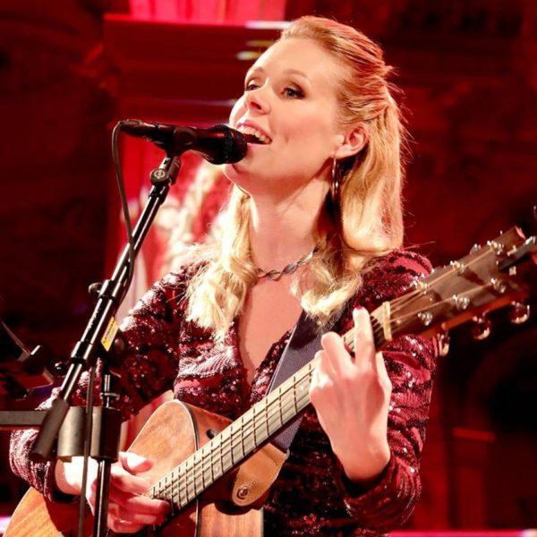 Karin Gunnars